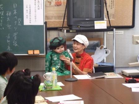 DSCF3200 なんと小泉先生は「春風ひすい」という芸名をもつ腹話術のプロ。腹話術で登...
