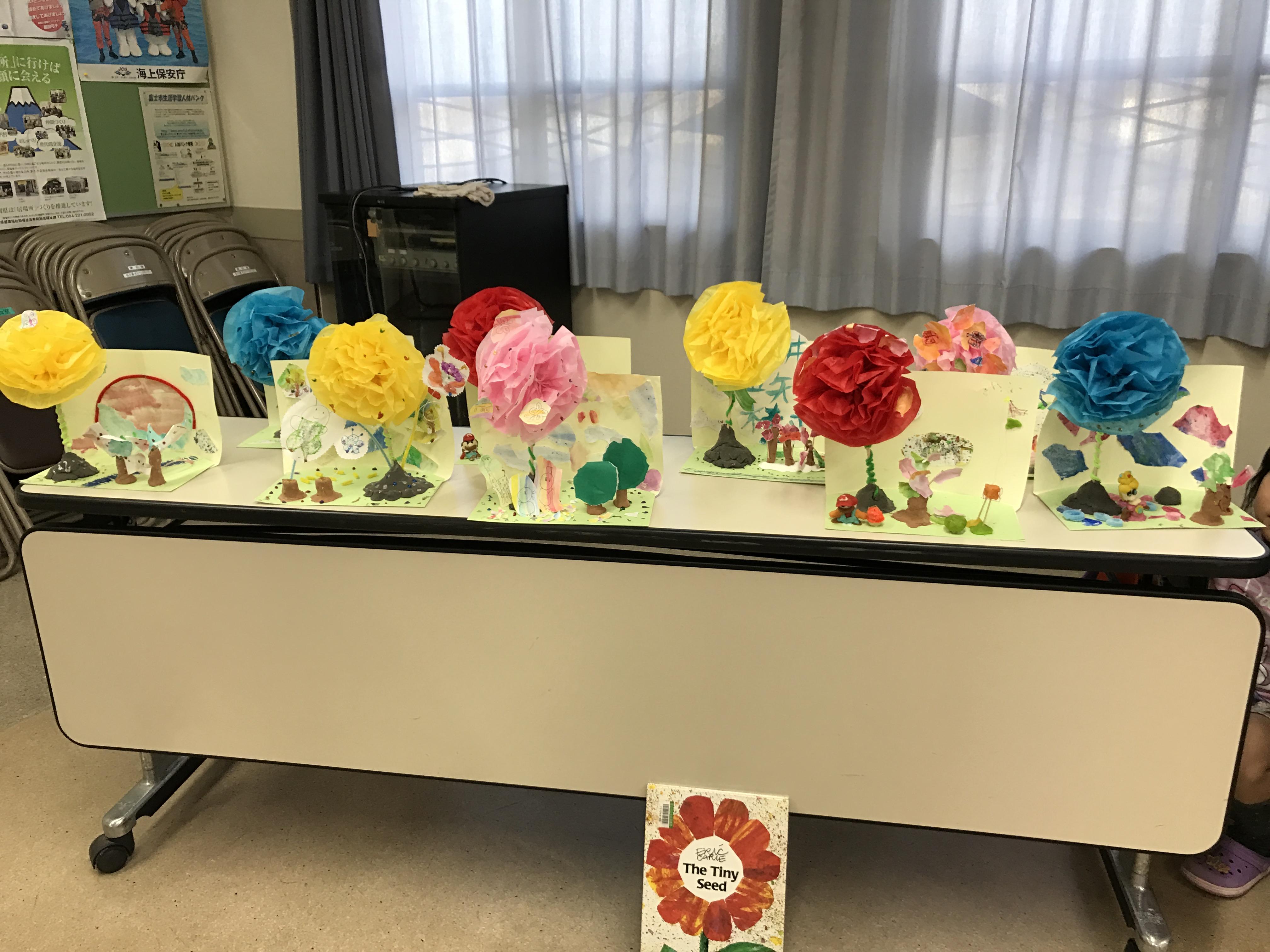 部屋いっぱいに綺麗な花が咲きました♪
