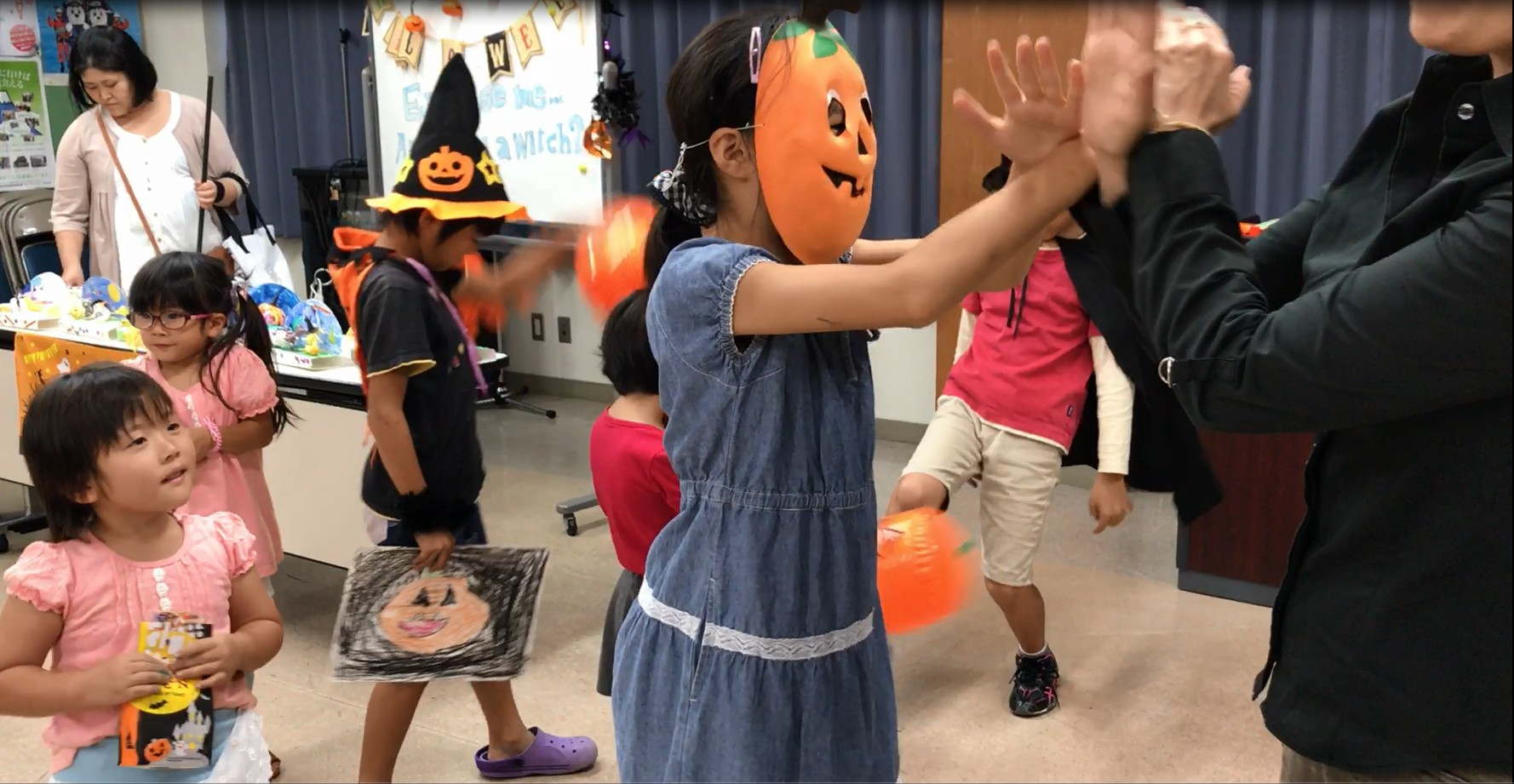 ノリノリ☆Tric or Treatダンス♪